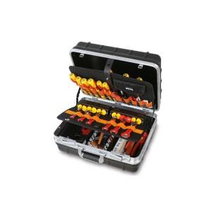 Verrijdbare gereedschapskoffer  met assortiment voor elektrisch  en elektronica onderhoud