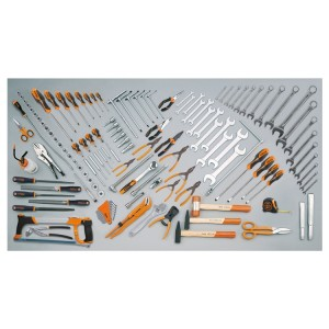 Assortimentodi133 utensiliperimpiegouniversale