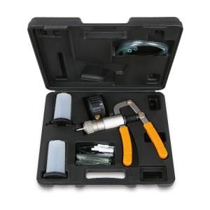 Tester per controllo pressione/depressione con accessori e adattatori