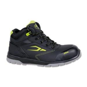 Sapato em pele nubuck, impermeável, com sistema de abertura rápida e biqueira com reforço anti-abrasão