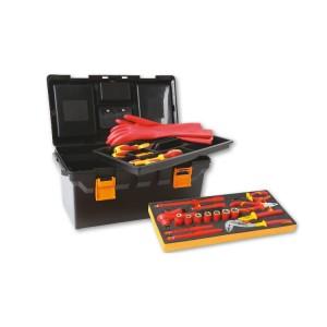 Jogo de 32 ferramentas isoladas para carros híbridos, na caixa de ferramentas de plástico com a bandeja termoformada