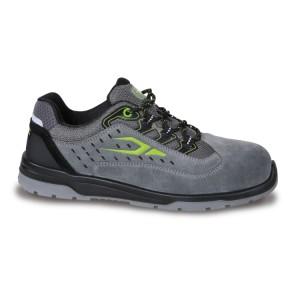 Sapato de camurça, perfurado, com reforço de microfibra na área do calcanhar