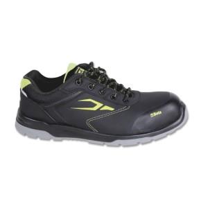 Sapato nobuk, repelente de água, com reforço anti-abrasão na área da biqueira