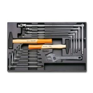 Placa em plástico com jogo de ferramentas