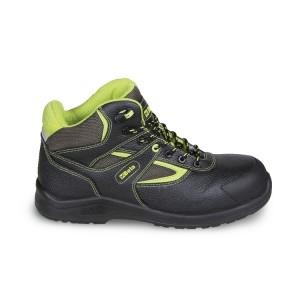 Sapato de couro, repelente de água, with nylon inserts, anti-abrasion reinforcement in toe cap area and Sistema de abertura rápida
