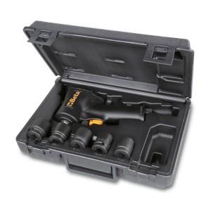 Sortiment mit einem Schlagschrauber mit Rechts- und Linkslauf, kompakte Ausführung, und fünf Kraftsteckschlüsseln,  im Kunststoffkoffer