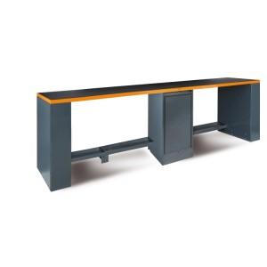 Dlouhý dílenský pracovní stůl 4m s dvojitou nohou uprostřed