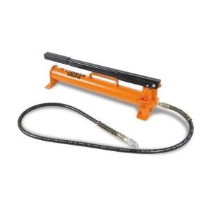 Oil pressure pump