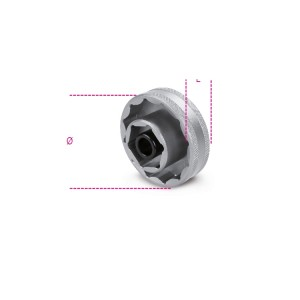 Bi-hex socket for wheel hub nuts