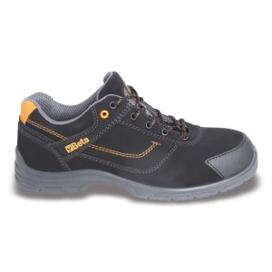 Action nubuck shoe, waterproof, with anti-abrasion insert in toe cap area