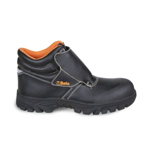 "Lace-up black leather shoe, ""welder"" style, water-repellent, with quick opening system and front protection with strap fastening and flameproof seams.  Hard-wearing rubber outsole and anti-abrasion insert in toe cap area"
