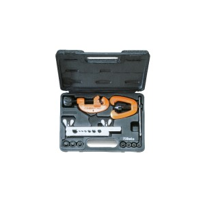 Pipe cutter and tube flaring tool