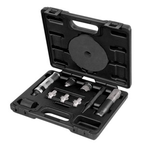 Removal kit for damaged wheel nuts