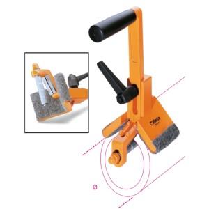 Appareil pour couper et ébavurer  les tubes PVC