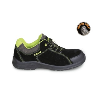 Suede schoen, geperforeerd, met schuurbestendige versteviging op het neusgedeelte