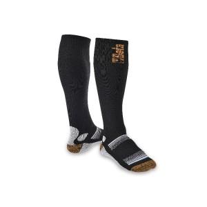 Knie hoge sokken vervaardigd uit een elastisch drukverhogende materiaal Terry